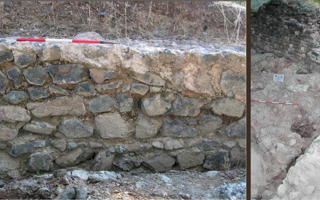 fig.3. Il muro di cinta in roccia locale (peridotite) presso l'angolo nord-est dell'Area 1000.