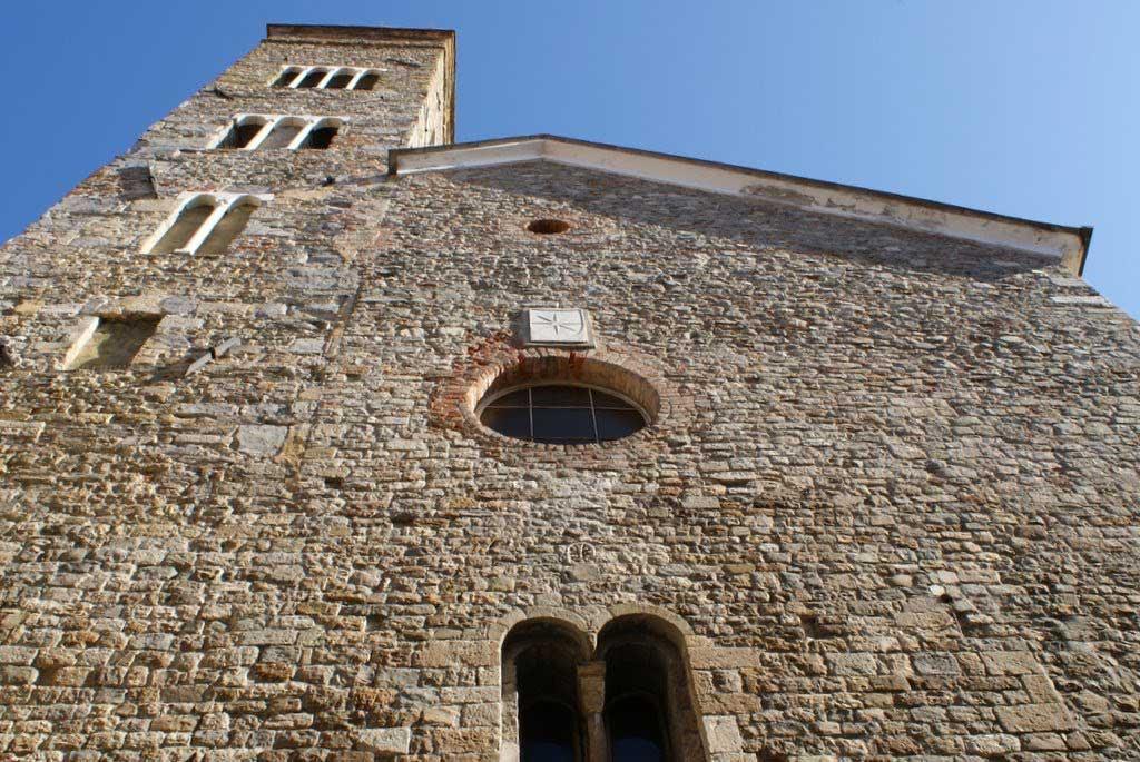 Fig.15a. Sarzana: la pieve di Sant'Andrea, dalla quale dipendeva la chiesa castellana della Brina.
