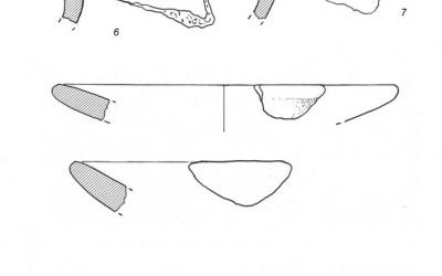 Fig.a. Olle in impasto grezzo e coppe in argilla depurata dal fondo della capanna ligure della Brina