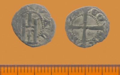 Fig.d. Denaro minuto di Genova per Ludovico Campofregoso, 1428-1431, dall'area vicino alla porta   meridionale del castello.