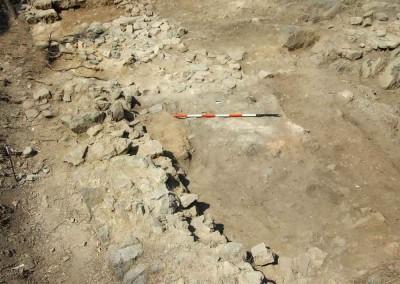 fig.7. Lo spiazzo acciottolato davanti al grande edificio dell'Area 9500, probabilmente usato per la dogana di Sarzana nel XV secolo (Area 9000).